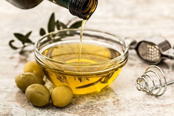 Aceite de oliva: Qué es y cuáles son sus propiedades y beneficios