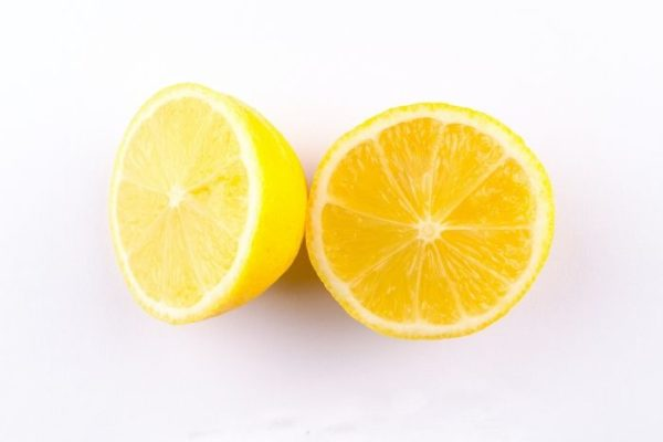 Usos, propiedades y beneficios del aceite esencial de limón