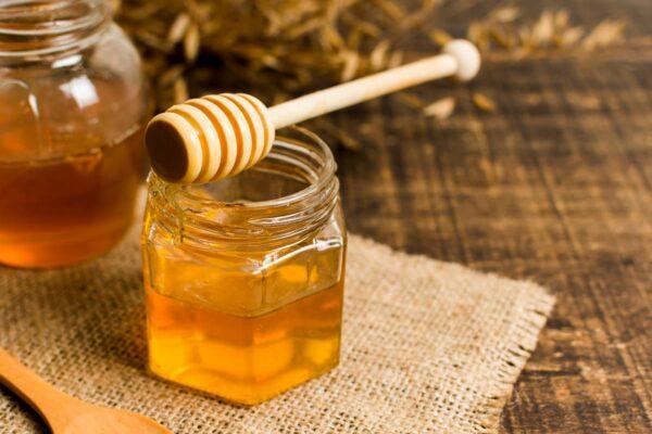 Miel para la cara: Propiedades cosméticas, cómo aplicarla, consejos y trucos