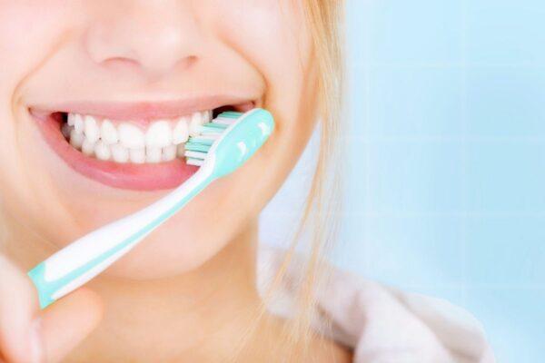 Los 4 beneficios del propóleo para tus dientes